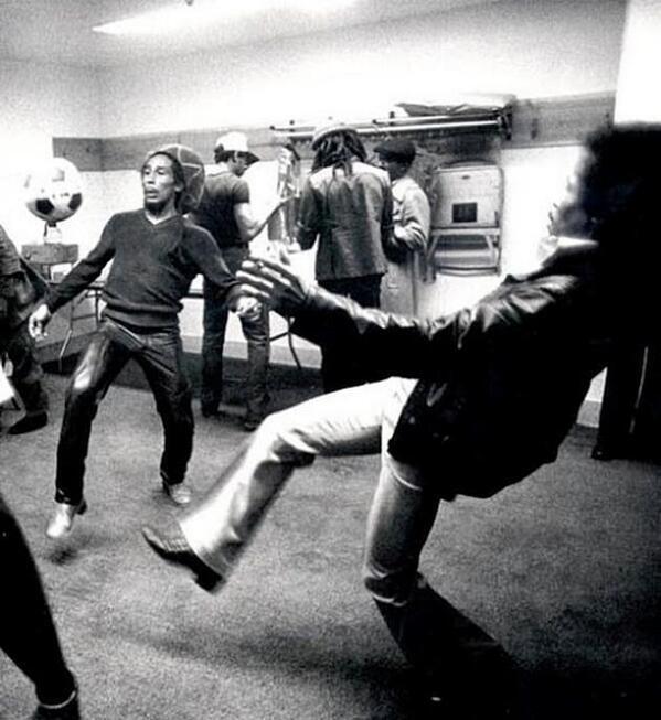 Bob Marley Jugando Al Futbol Elperiodico Do